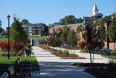 Dahlonega-campus-promenade